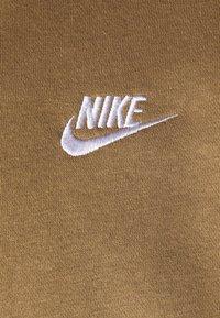 Nike Sportswear - CLUB HOODIE - Hættetrøjer - driftwood/white - 2