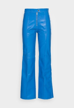 DEBBIE PANTS - Kožené kalhoty - blue
