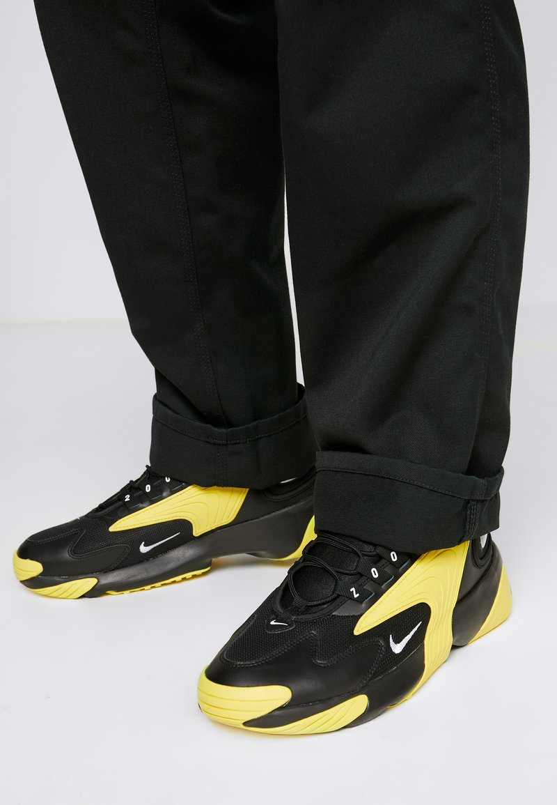 Nike Sportswear - ZOOM  - Sneakers - black/white/dynamic yellow