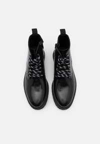 LAST STUDIO - CAIO POLIDO - Lace-up ankle boots - black - 3