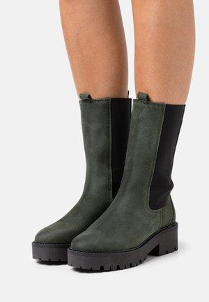 GINA - Platform boots - olive