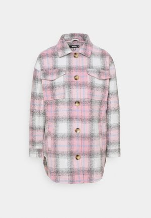 OVERSIZED CHECK SHACKET - Lehká bunda - pink