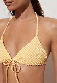 OYSHO - GINGHAM  - Bikini top - yellow - 3