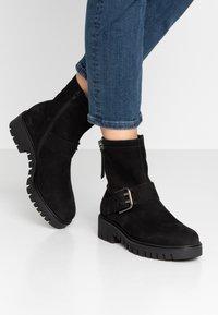 Gabor - WIDE FIT - Platform ankle boots - schwarz - 0