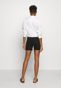 ONLY - ONLBLUSH MID  - Shorts di jeans - black - 2