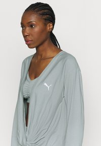 Puma - PAMELA REIF X PUMA COLLECTION OVERLAY CREW - Langarmshirt - quarry - 3