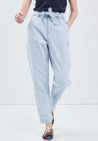 BONOBO Jeans - Jeans Tapered Fit - denim bleach - 3