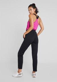 ONLY Play - ONPPYTHON PANTS - Pantalones deportivos - black - 2