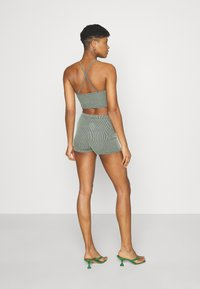 Missguided - TWO TONE CROSS BACK STRAP CYCLING SET - Shorts - mint - 2