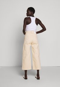 Proenza Schouler White Label - CULOTTE - Flared Jeans - sand - 2