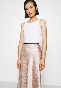 ARKET - MAXI SKIRT - A-line skirt - orange/dusty light - 3
