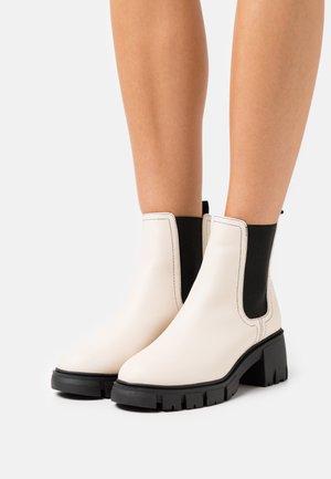 VEGAN WIDE FIT KAIA COMBAT GUSSET BOOT - Platform ankle boots - ecru