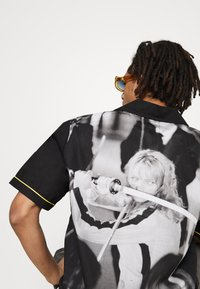 HUF - CRAZY WOVEN  - Shirt - black - 6