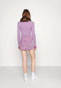 BDG Urban Outfitters - PATCHWORK PELMET SKIRT - Minirok - lilac - 2
