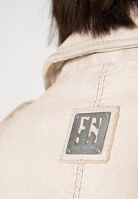 Freaky Nation - NEW UNDRESS ME - Leather jacket - off-white - 4