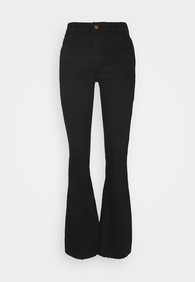 PCKAMELIA FLARED - Jeans a zampa - black