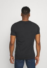 Levi's® - CREWNECK GRAPHIC 2 PACK - T-shirt con stampa - madder brown/caviar - 2