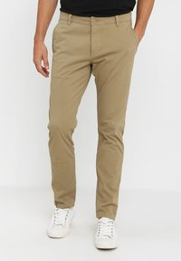 DOCKERS - SMART SUPREME FLEX SKINNY - Pantalones chinos - new british khaki - 0