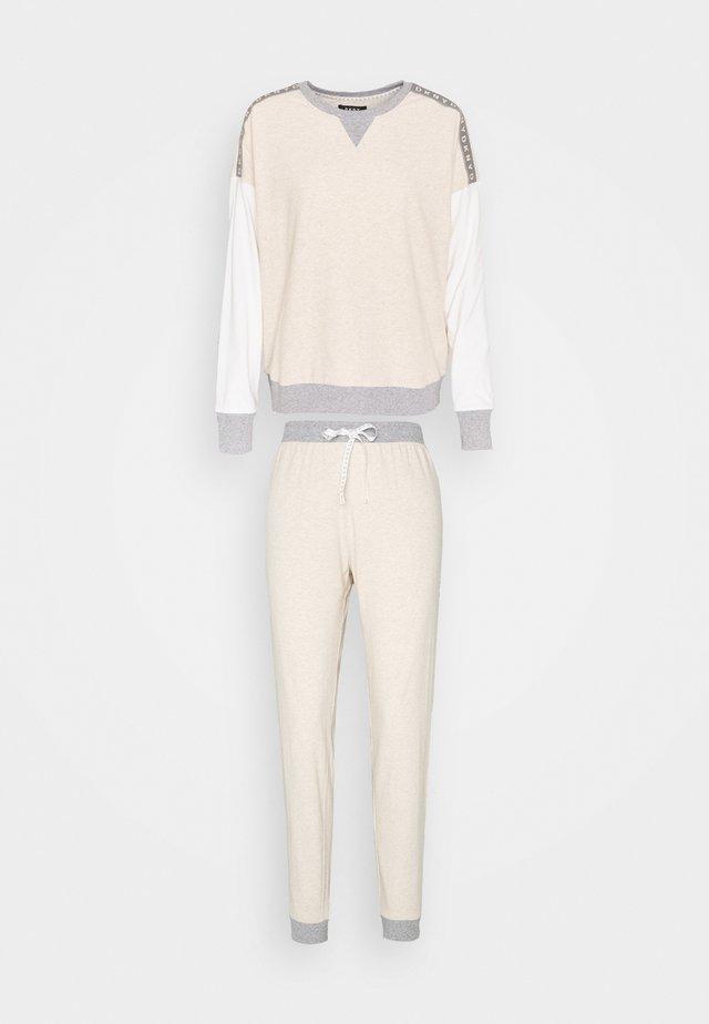 SET - Pyjamas - shell heather