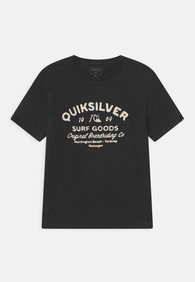 CLOSED CAPTIONS - Print T-shirt - black