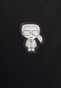 KARL LAGERFELD - MINI IKONIK KARL PATCH - T-Shirt print - black - 6