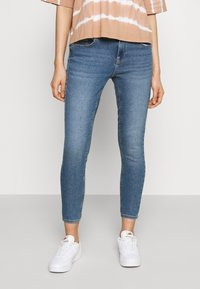 ONLY - ONLDAISY LIFE PUSH UP - Jeans Skinny Fit - medium blue denim - 0