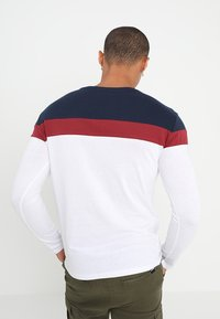 YOURTURN - Long sleeved top - white/blue/red - 2
