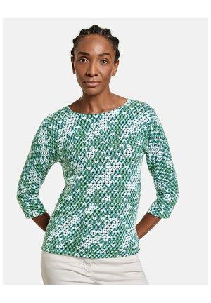 3/4 ARM RUNDHALS  MIT ALLOVERMUSTER ORGANIC COT - Long sleeved top - grün druck