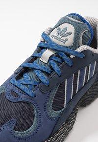 adidas Originals - YUNG-1 - Sneakers - legend ink/tech indigo/grey two - 5