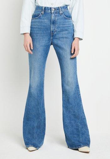 70S HIGH FLARE - Široké džíny - standing steady