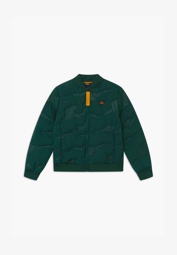 Waterproof jacket - panderosa pine