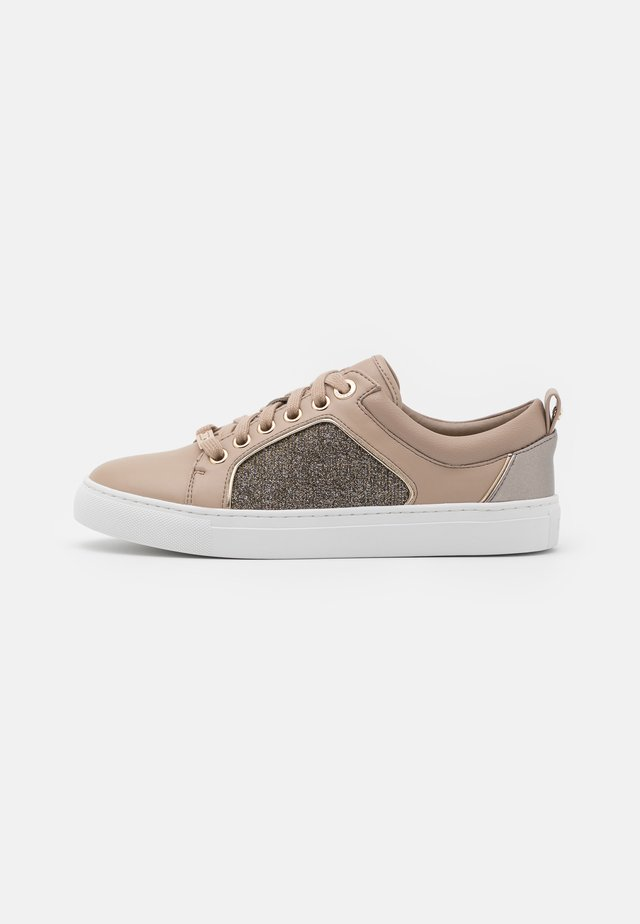 ESTEE - Sneakers basse - taupe