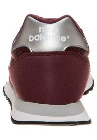 New Balance - GW500 - Trainers - burgundy - 3