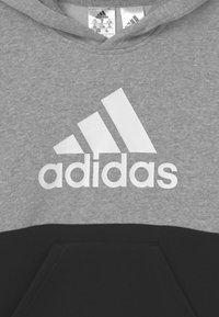 adidas Performance - COLORBLOCK ESSENTIALS - Sweat à capuche - black medium grey heather white - 2