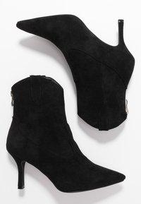 RAID Wide Fit - WIDE FIT KAISON - Cowboy/biker ankle boot - black - 3