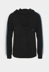 CHINTI & PARKER - STRIPE SLEEVE HOODIE - Sweater met rits - black - 7