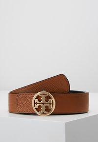 Tory Burch - REVERSIBLE LOGO - Belt - black/saddle - 3