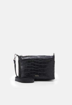 CROSSBODY BAG SOPHIE - Taška spříčným popruhem - black