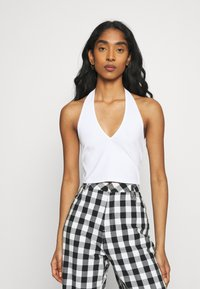 Glamorous - MAYA HALTER NECK CROP WITH OPEN BACK AND LOW V NECK 2 PACK - Top - black/white - 3