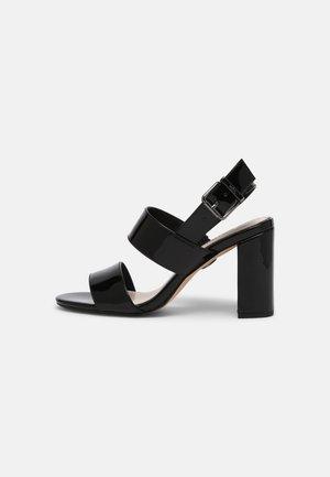 VEGAN ROMAINE - Sandály - black