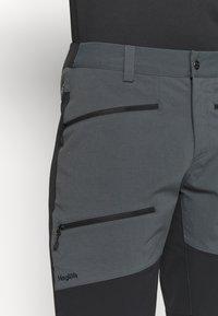 Haglöfs - RUGGED FLEX MEN - Outdoor shorts - magnetite/true black - 4