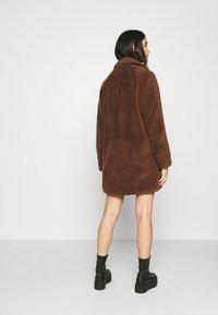 ONLY - ONLEMILY  COAT - Classic coat - potting soil - 2
