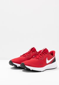 Nike Performance - REVOLUTION 5 - Zapatillas de running neutras - gym red/white/black - 2