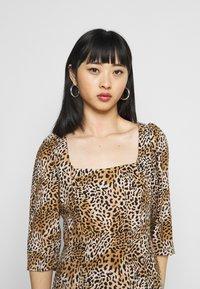 Dorothy Perkins Petite - ANIMAL SQUARE NECK MIDI DRESS - Day dress - brown - 2