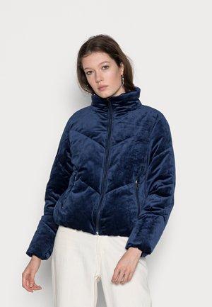 VMVELVET SHORT JACKET - Winter jacket - peacoat