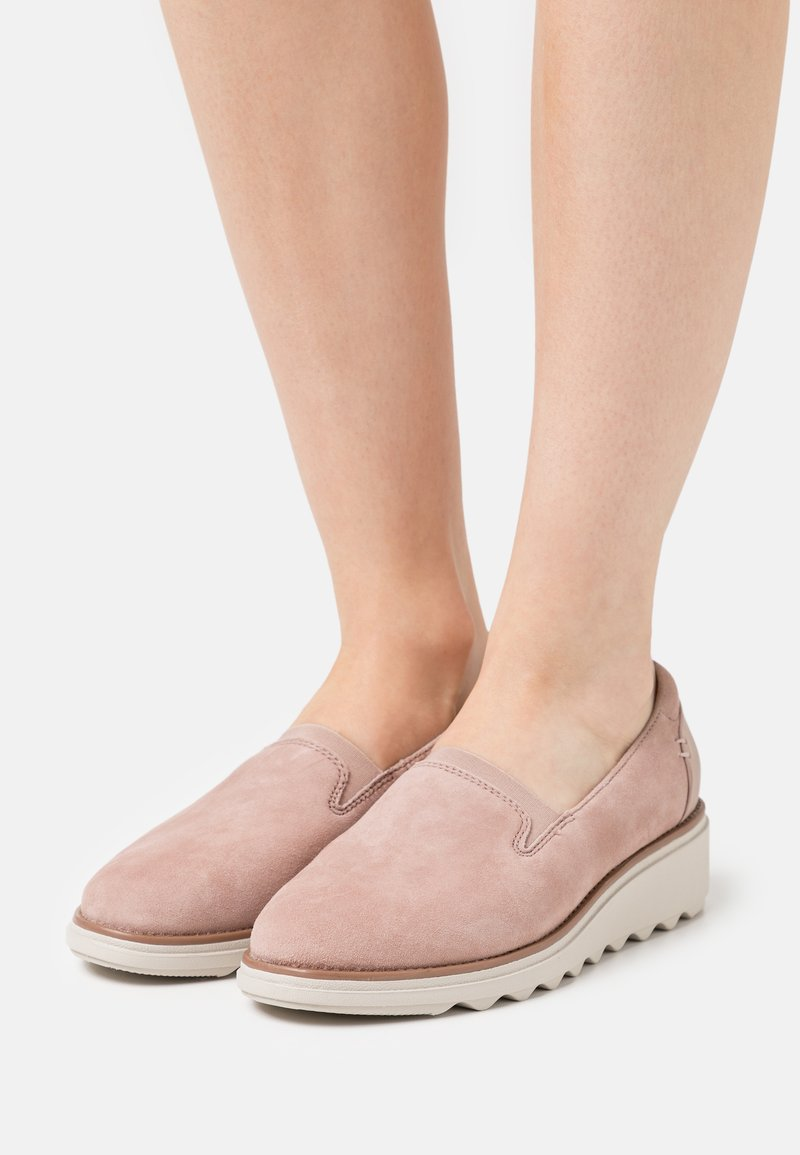 Clarks - SHARON DOLLY - Slip-ons - dusty pink