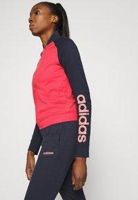 adidas Performance - NEW MARK SET - Treningsdress - pink/blue - 5