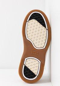 Vans - VARIX - Sneakers laag - spicy orange/guacamole - 6