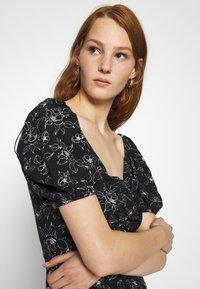 Mavi - PRINTED DRESS - Sukienka letnia - black - 3