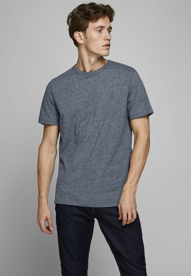 JACK & JONES PREMIUM T-SHIRT RUNDHALSAUSSCHNITT - Basic T-shirt - navy blazer